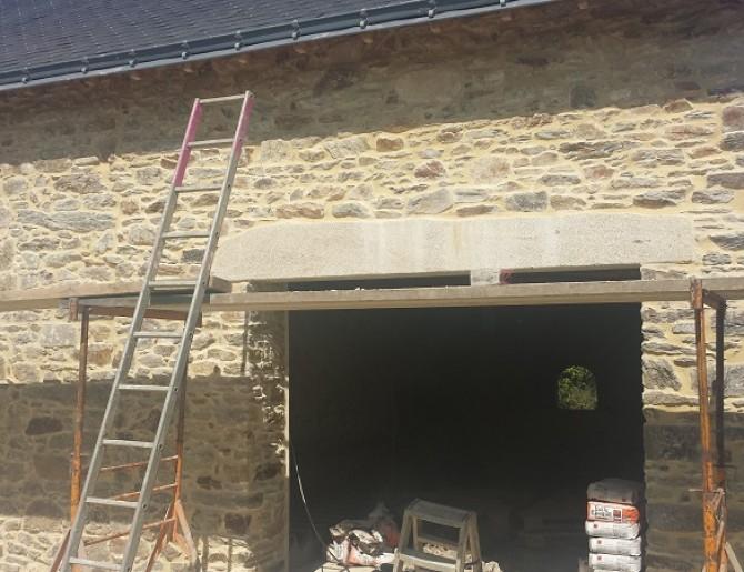 Rénovation d'une longère en pierre à Malville